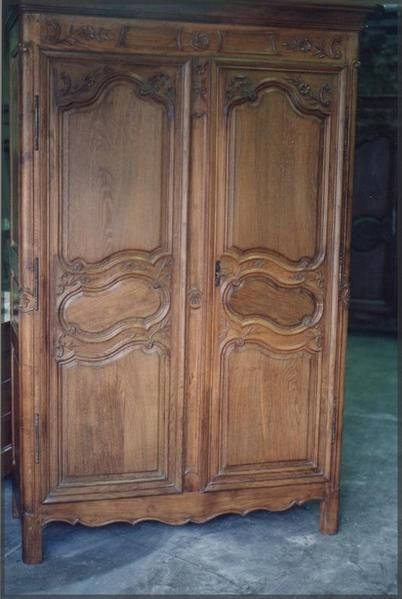 fabrication d 39 une armoire avec 2 portes anciennes atelier de l 39 b niste c cognard eure. Black Bedroom Furniture Sets. Home Design Ideas
