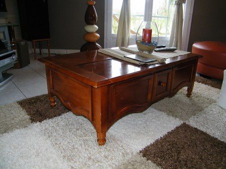 Pouvez vous peindre mes meubles louis philippe pour les for Peindre une table basse