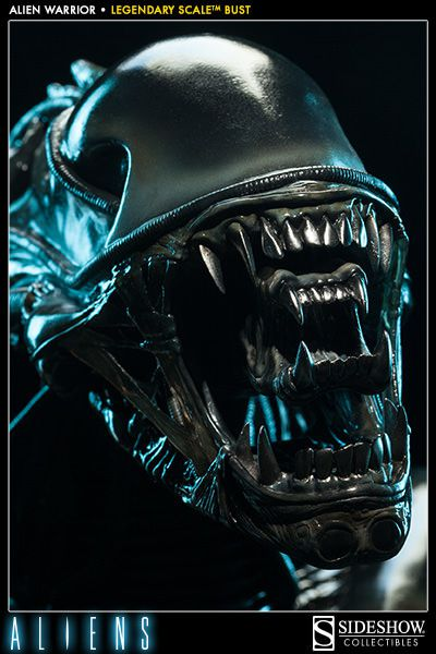 alien-warrior-legendary-scale-bust-by-sideshow-collectibles