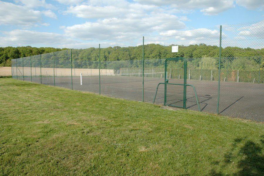 A vendre terrain de loisirs avec court de tennis tr s for Prix terrain de tennis