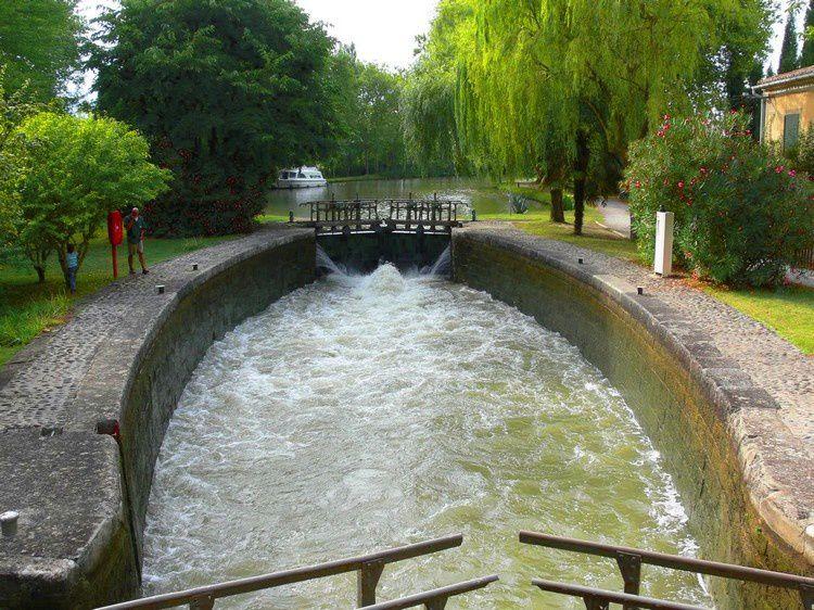 canal du Midi passage Ecluse 27 St-Sernin