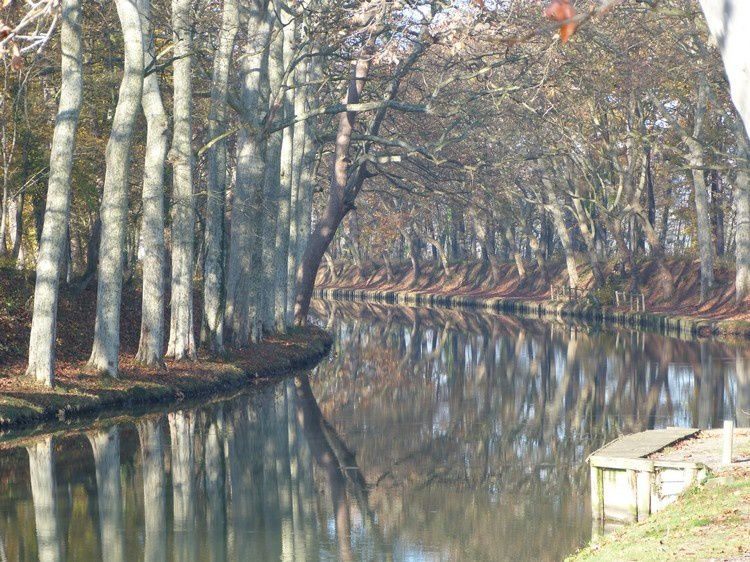 le canal vers toulouse