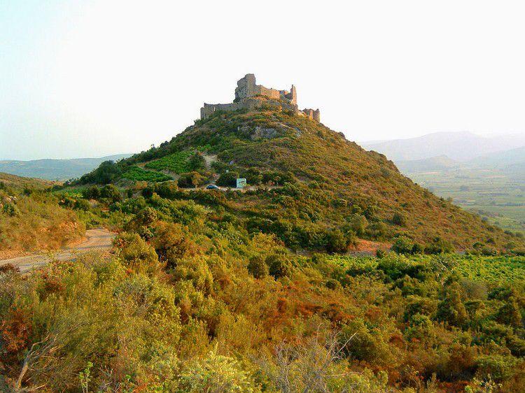Chateau d'Aguilar 01