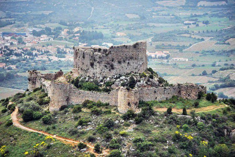 Chateau d'Aguilar 86