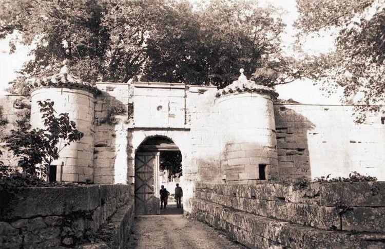 chateau de Ferrals ancien 01 en 1950
