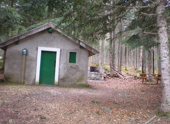 cabane-gardes-forestiers---Niave.jpg