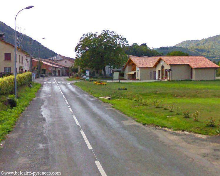 24 bis Belcaire la D613 en regardant vers ax les thermes le