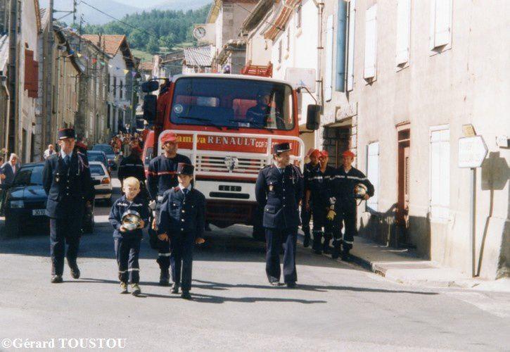 année 99 défilé dans la grande rue d'Espezel photo n35