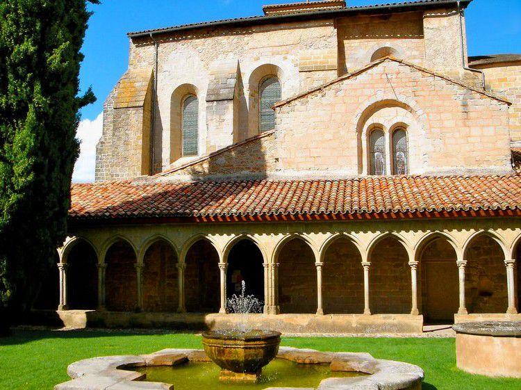 Saint Hilaire abbaye 90