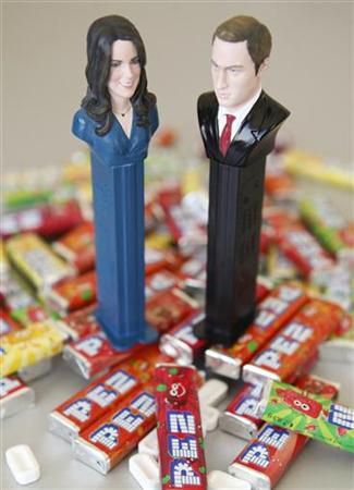 -william-and-kate-pez-.jpg