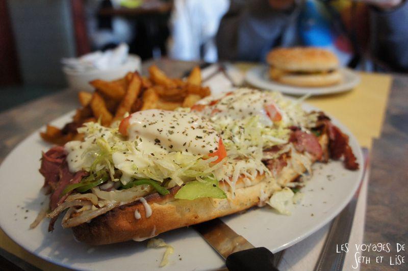 blog voyage canada pvt montreal sous marin hotdogaria hamburger