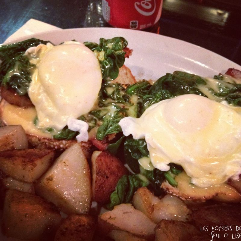 blog voyage canada pvt montreal backpacker bagel oeuf benedicte spinach epinard food yummy