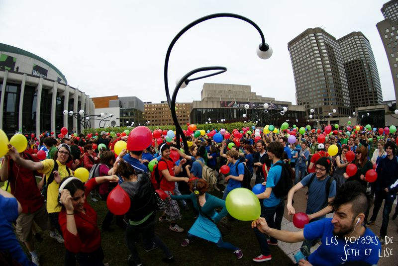 flashmob juste pour rire montreal improv everywhere mp3 experience blog pvt canada bataille combat ballon