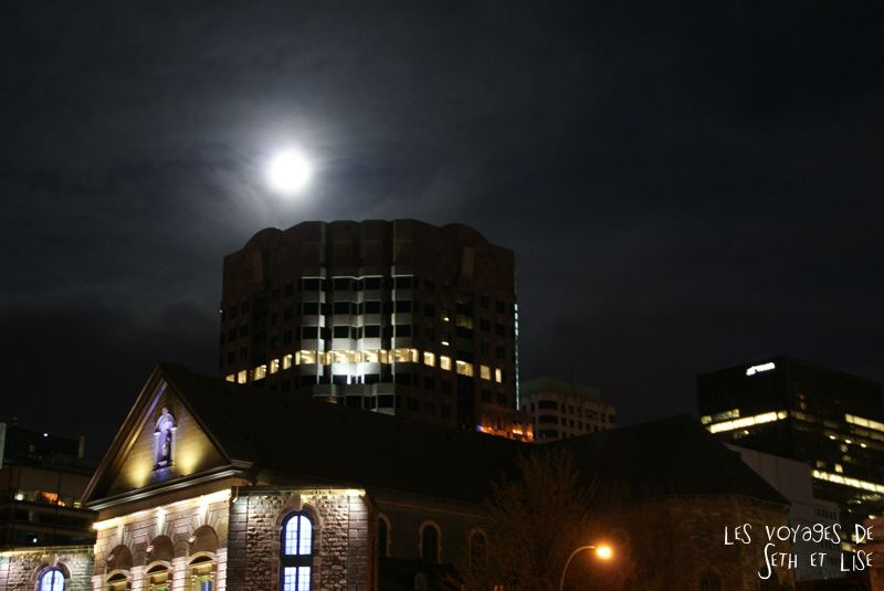 blog pvt voyage montreal canada whv supermoon night city urban