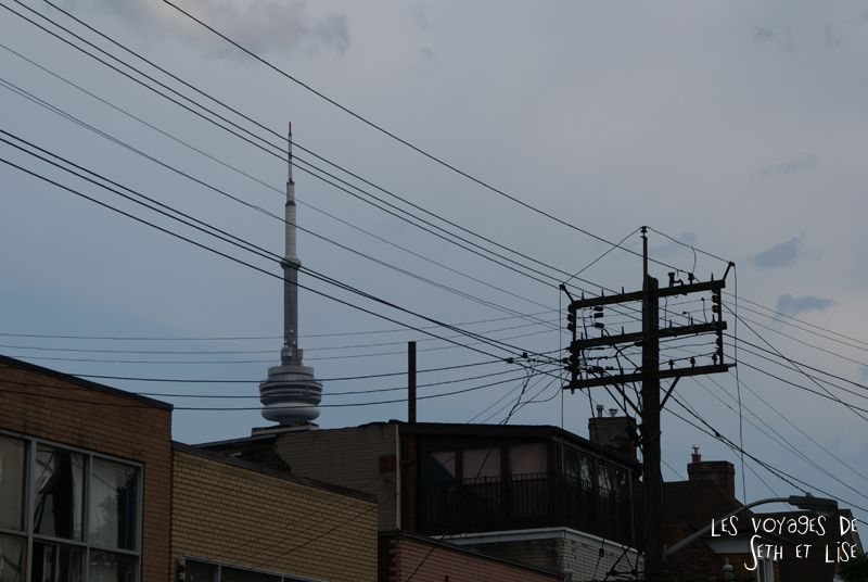 blog pvt whv canada toronto travel voyage kensigton chinatown couple cn tower view vue skyline
