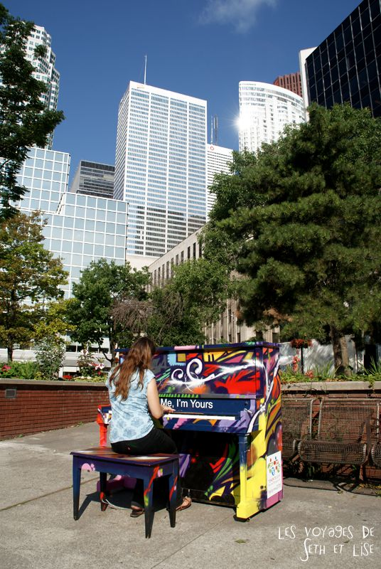 blog voyage piano street toronto play me i m yours pvt canada ontario couple travel art musique building city pianist pianiste