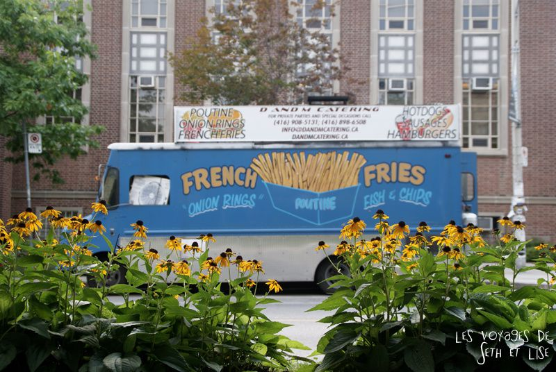 blog photo canada voyage toronto pvt humour van truck poutine fries french
