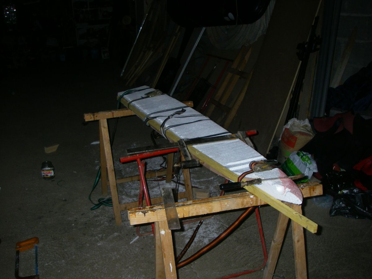 fabrication d 39 une planche de kite le blog de arnaud. Black Bedroom Furniture Sets. Home Design Ideas