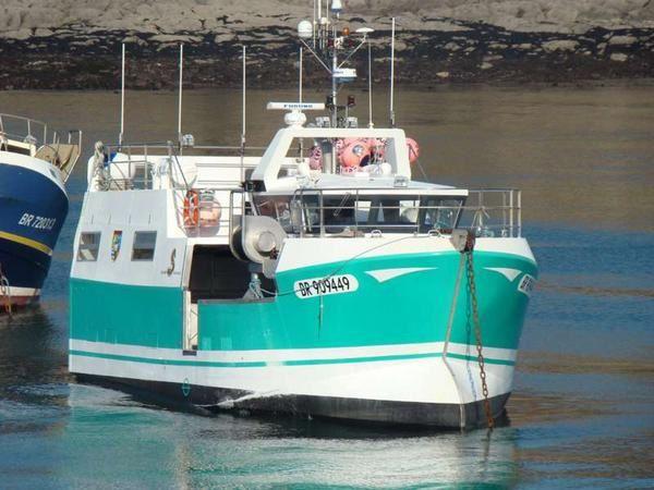 bateau de peche beneteau