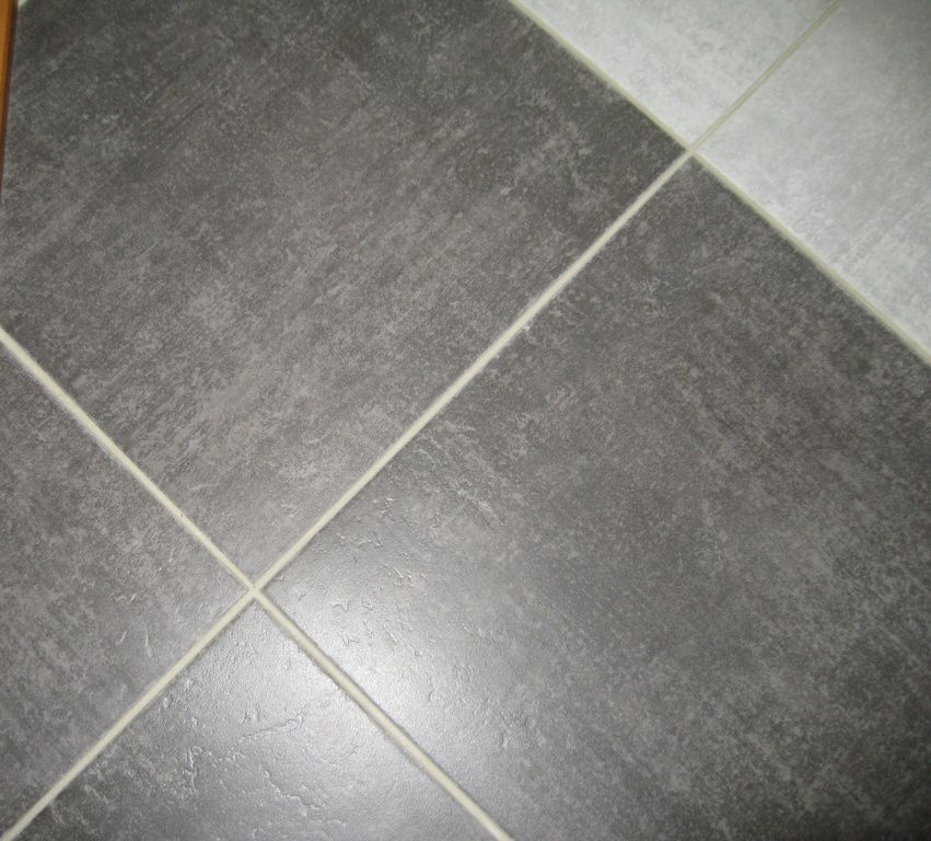 Carrelage le blog de doune et keiser for Carrelage grand carreaux gris