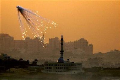 Zionist-phosphor-bombs-Islamic-mosque--1