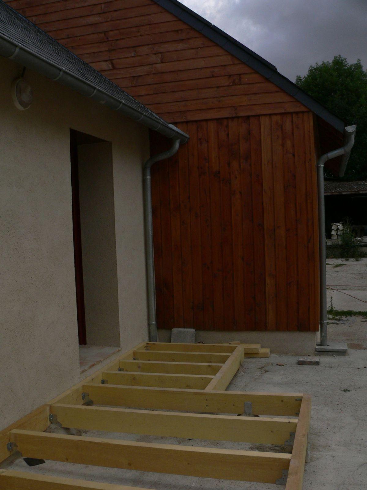 Terrasse bois ecologique for Fondation maison ecologique