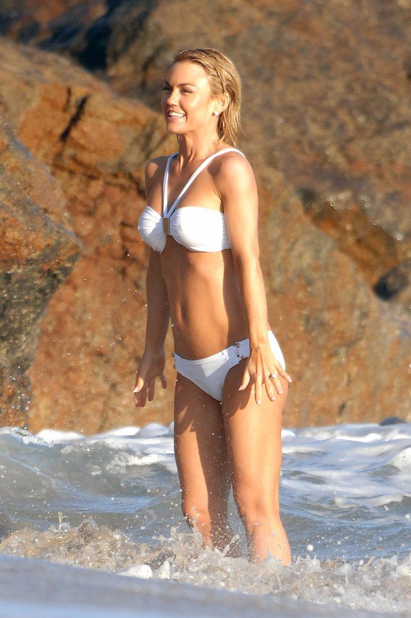 Kelly carlson bikini seems me