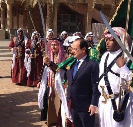Hollande-et-le-sabre-islamique1