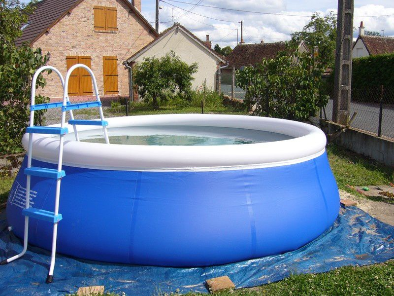 Piscine avec un boudin for Piscine 3 boudins intex