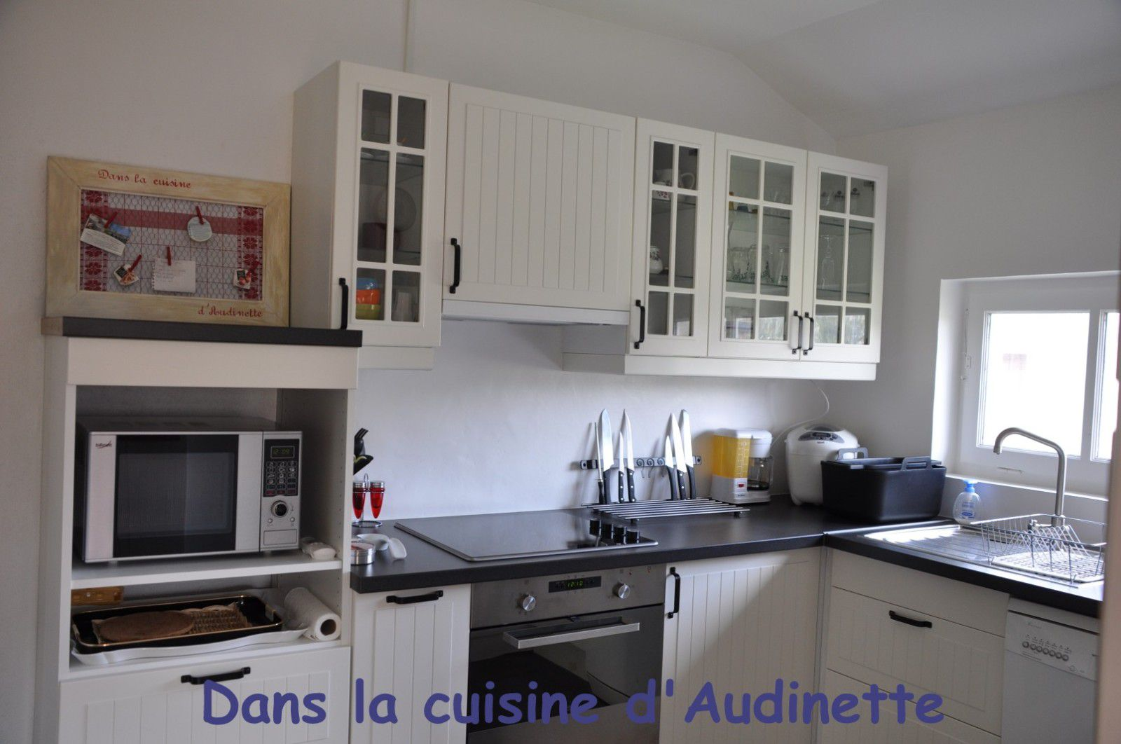 derniers travaux dans la cuisine la cr dence en. Black Bedroom Furniture Sets. Home Design Ideas