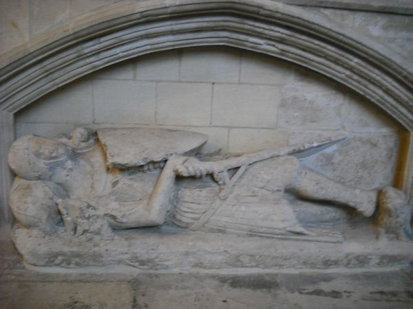 Exeter-gisant-chevalier-3