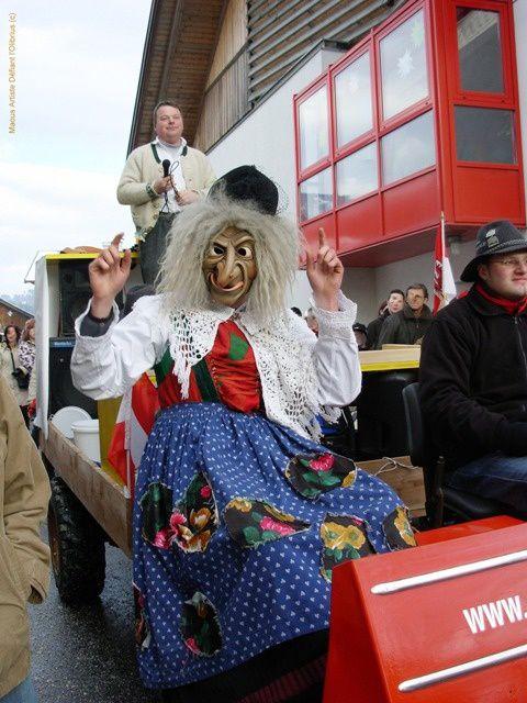 Sorciere-du-carnaval-de-Baumkirchen.JPG