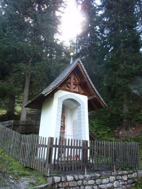 Vierge-a-l-Enfant-du-Calvaire-du-Kaltherberge--Tyrol-.JPG