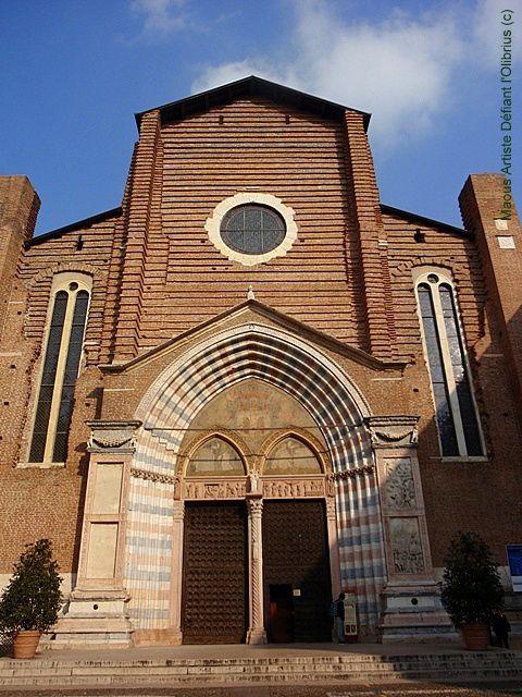 Verone-Eglise-de-Santa-Anastasia.JPG