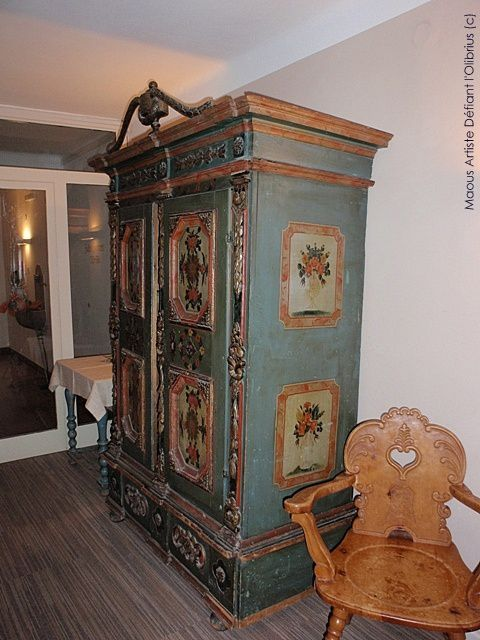 Armoire-tyrolienne-de-marriage.JPG