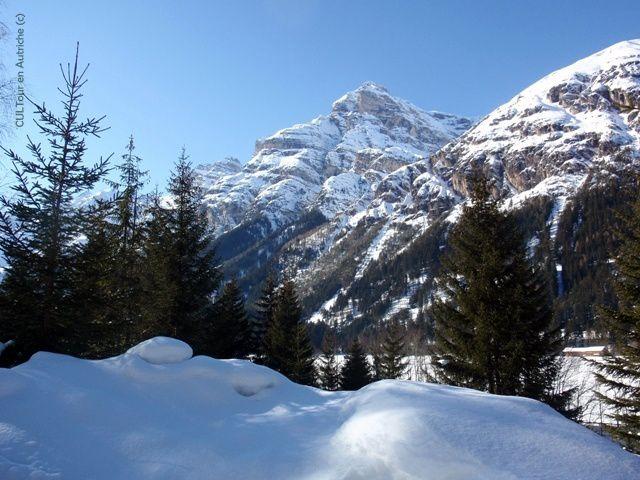 Vallee-de-Gschnitztal-sous-la-neige.JPG