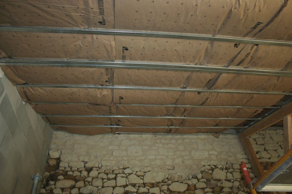Fissure plafond location paris faire un devis travaux for Enduire un plafond abime