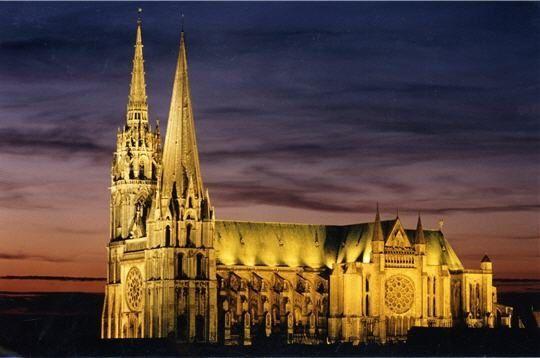 cathedrale-illuminee-228541.jpg