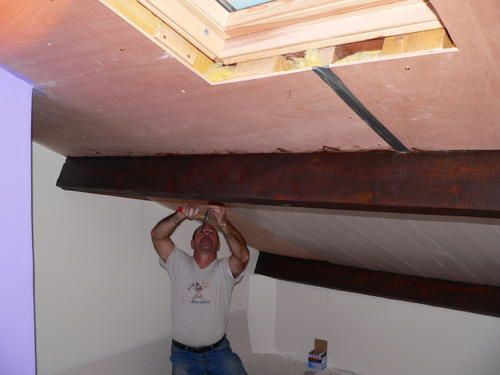 Great Pour Un Plafond Plus Fini Et Surout Plus Joli On A Install Au Plafond  Du Lambri Pvc With Pose Du Lambris Pvc
