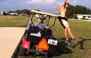 Saut-par-dessus-une-voiturette-de-golf.jpg