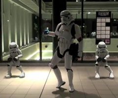 breakdance-stormtrooper.jpg