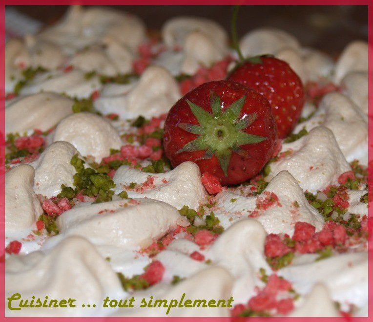 carr__meringu__aux_fraises_3