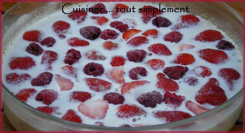 clafoutis_fraises_framboises_rose_1