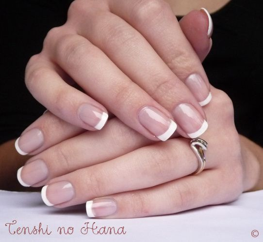 french sur ongles courts voire tr s courts nature nails nail art by tenshi no hana. Black Bedroom Furniture Sets. Home Design Ideas