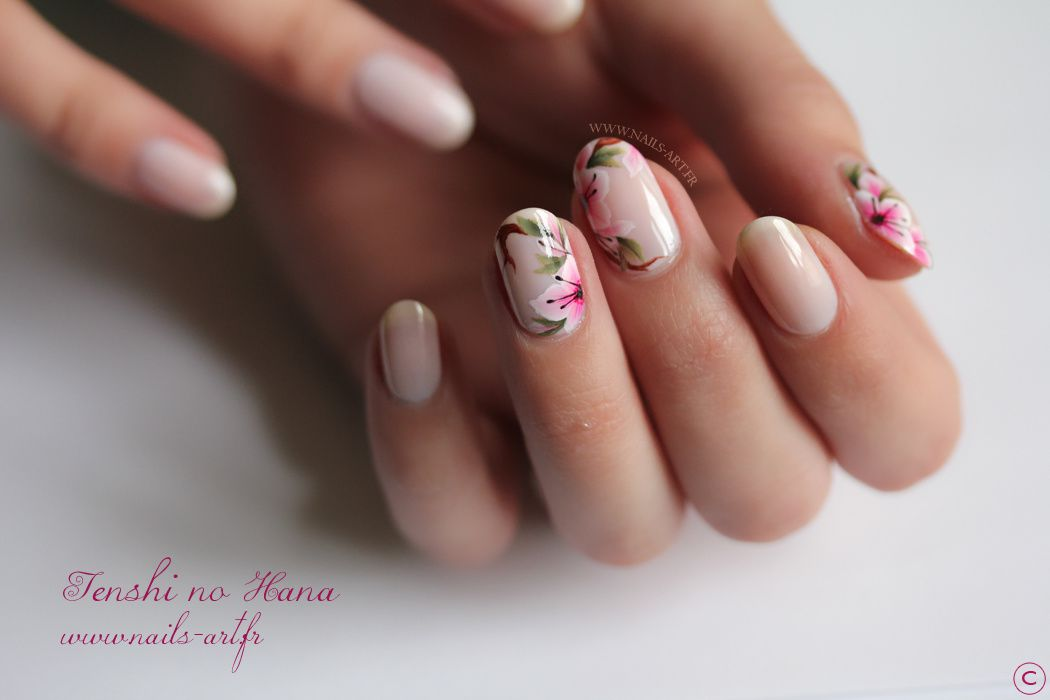 Opi don t burst my bubble et son nail art printanier nature nails nail art by tenshi no hana - Ongle en gel nude ...