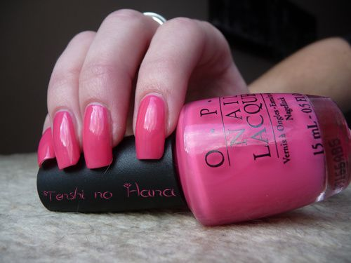 OPI Feeling hot hot hot 4