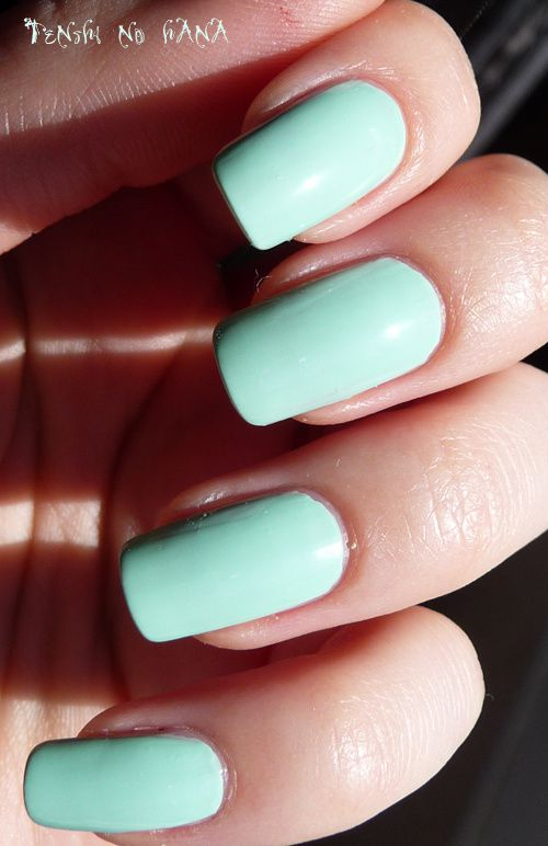 Essie Mint Candy Apple 3