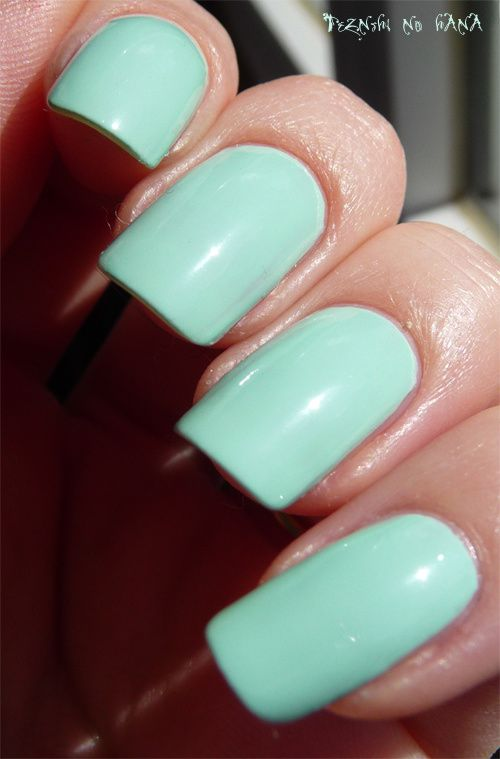 Essie Mint Candy Apple 4