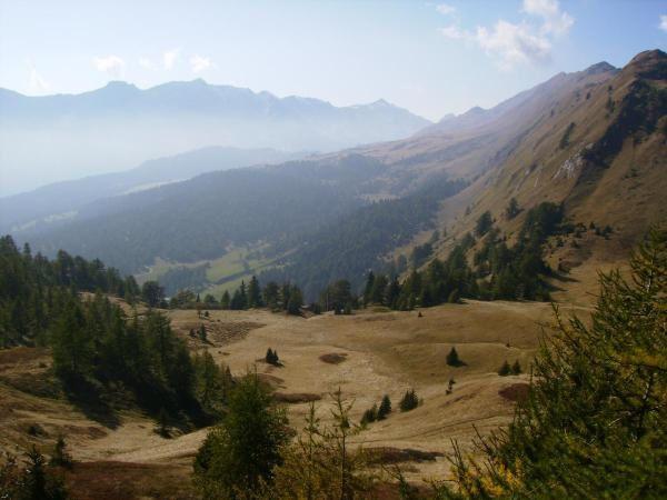 Dal passo Cantonill guardando verso la capanna Dötra ed il passo del Lucomagno