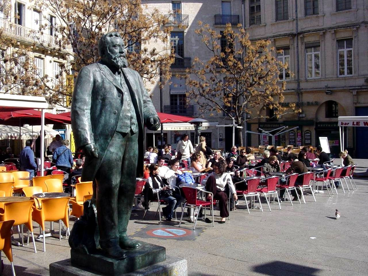 jean-jaures-Place-Montpellier-copie-1.jp